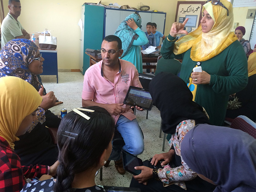 Training for people with disabilities on using tablets, in Hurghada